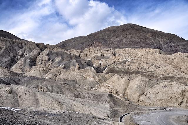 lamayuru monastery ladakh leh kashmir moonscapes highway