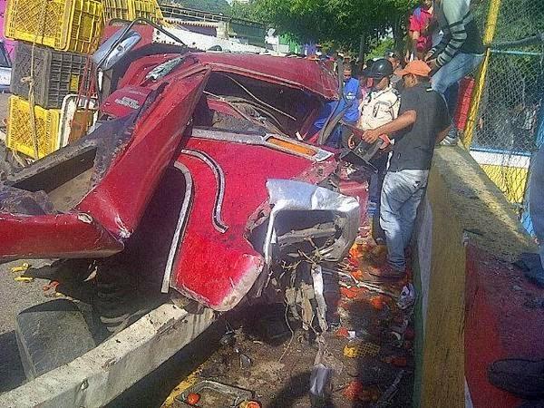 Lesionado tras colisión en la avenida Ribereña (FOTOS)