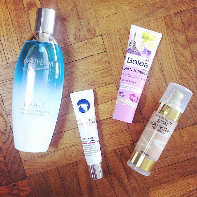 Review Biotherm L'eau, Review NIVEA Cellular Perfect Skin korrigierende Augenpflege, Beauty Review, Balea Liebestraum, Max Factor Skin Luminizer Foundation
