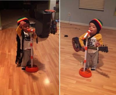 """Ακούστε τον δίχρονο """"Bob Marley"""" να τζαμάρει μερικά από τα μεγαλύτερα κομμάτια της ρέγκε."""