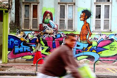 Em Botafogo (Rio de Janeiro, Brasil), by Guillermo Aldaya / PhotoConversa
