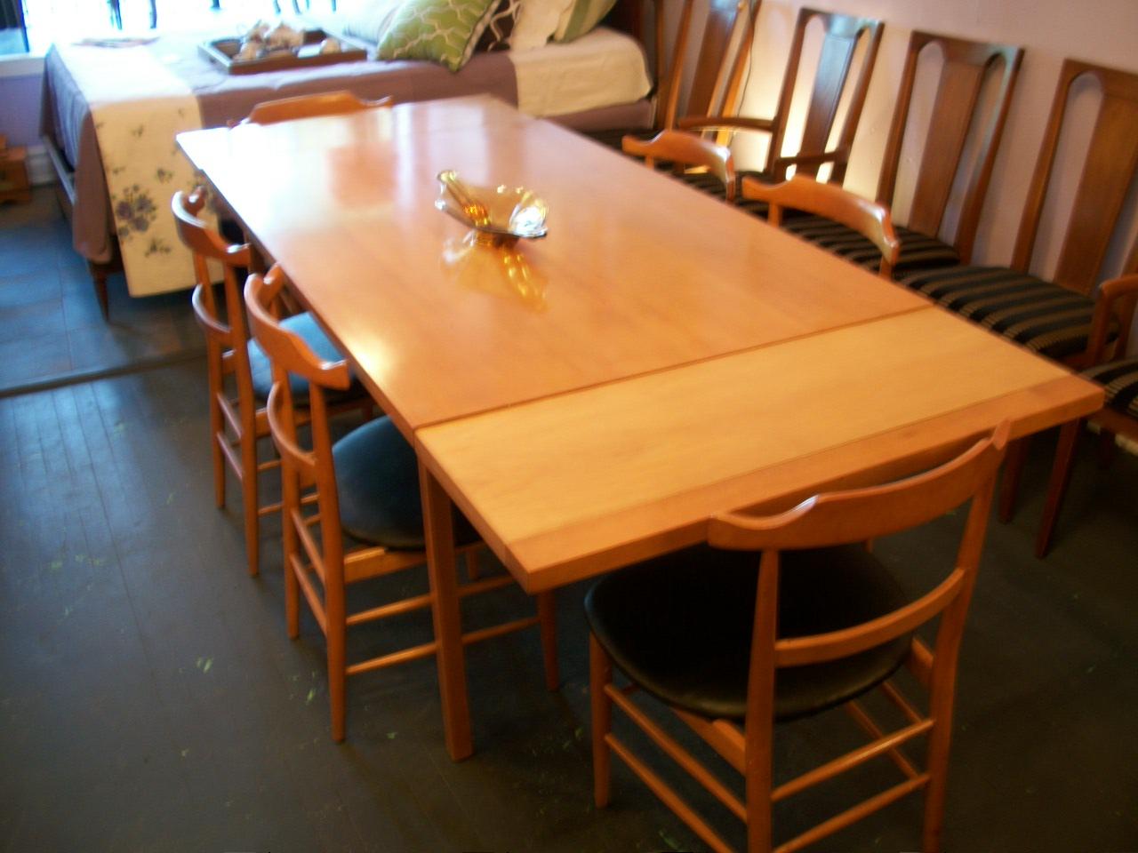 An Orange Moon John M Smyth Mid Century Modern Dining Set - Mid century modern dining room table
