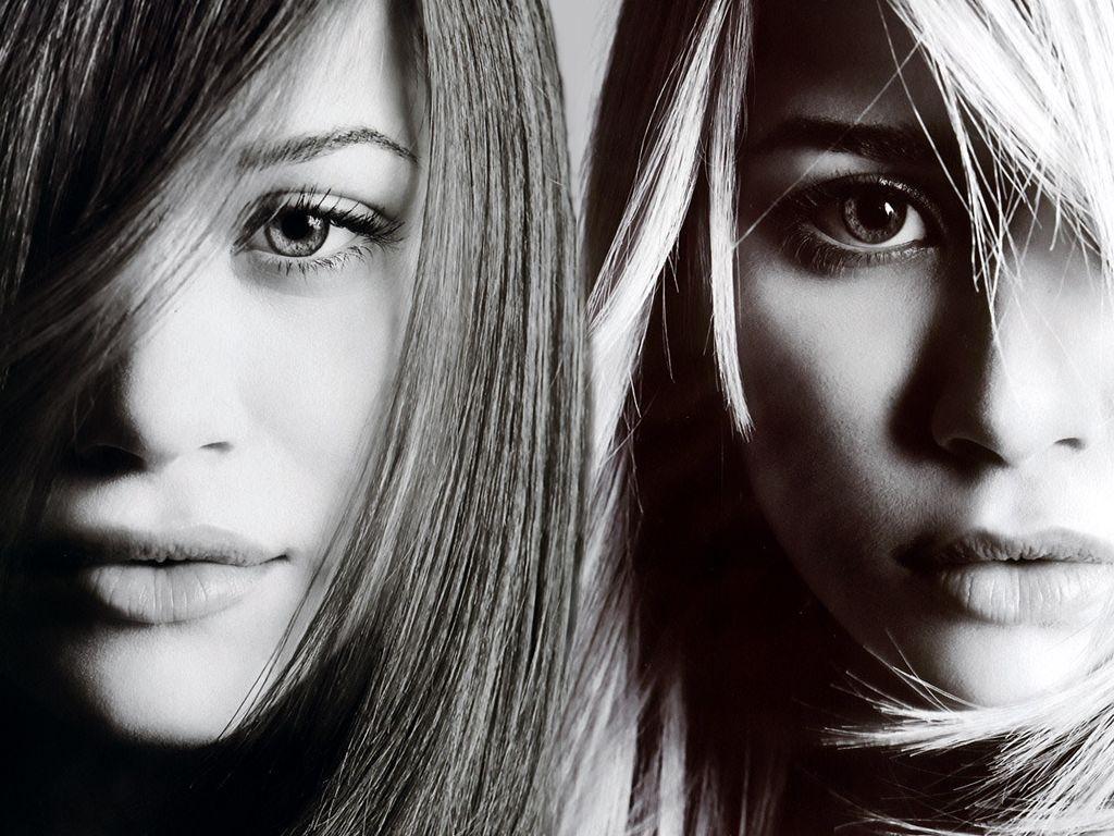 http://1.bp.blogspot.com/-Spj_tJCti_U/Tsl1QsUyhHI/AAAAAAAABGY/PWBlYR1K2hM/s1600/Olsen_twins_3.jpg