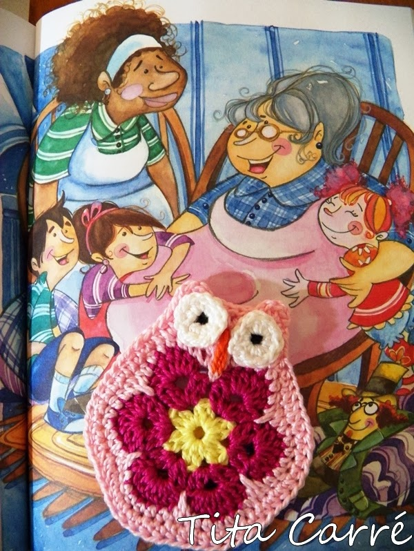 Coruja de Flor África com histórias de Dona Benta