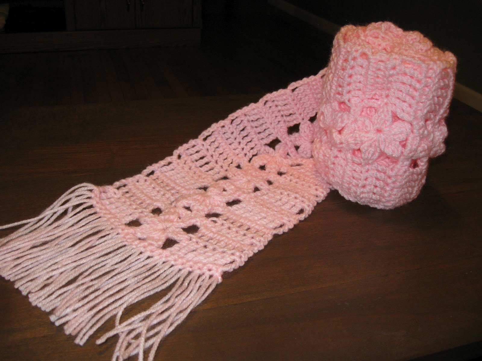 Haven Cottage Crafts Pretty Pink Flowers Scarf