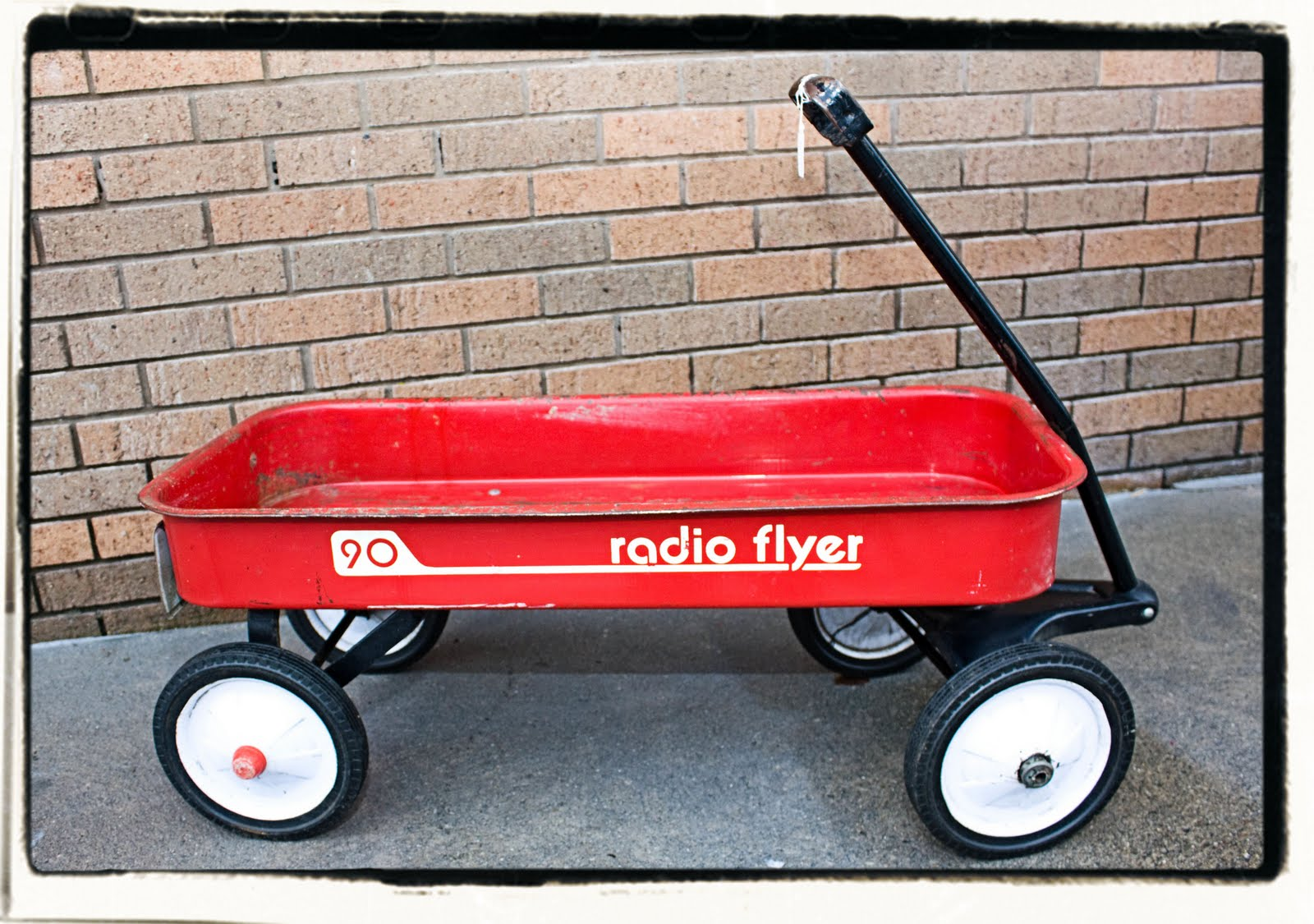 dating radio flyer wagon To date, the following toys have been inducted into the national toy hall of fame radio flyer wagon inducted 1999 raggedy ann and andy inducted 2002.