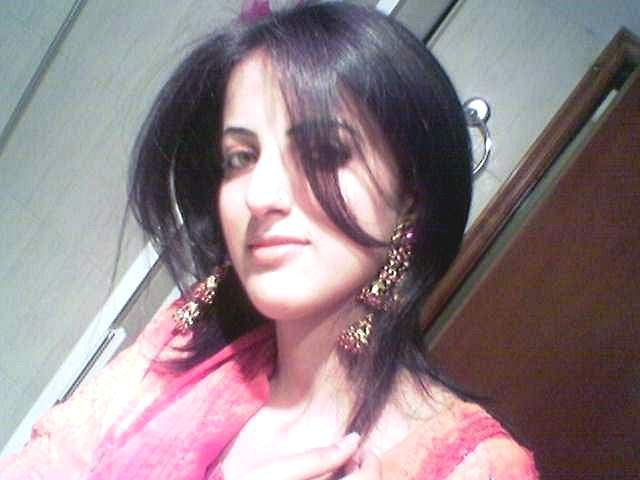 Hd wallpapers urdu poetry hot desi girls pictures for Desi sexy imege