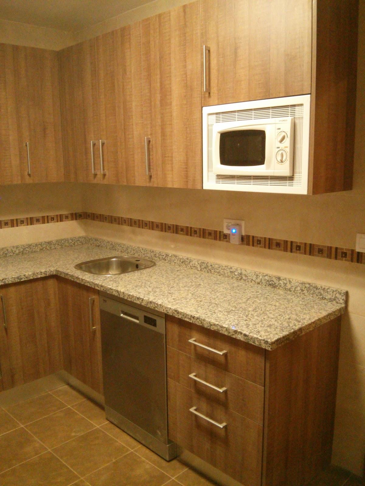 Carpinteria los molinos cocina tahon laminado roble marron - Cocinas color roble ...