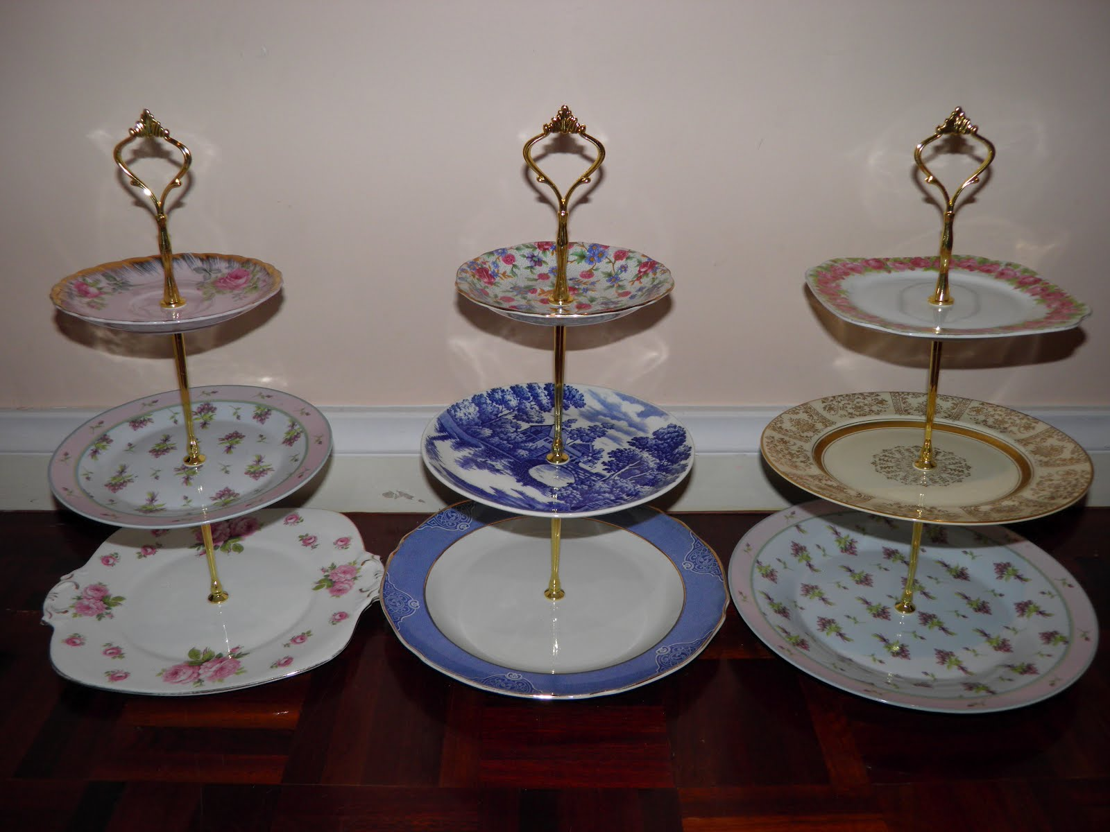 Vintage musings of a modern pinup how to make a 3 tiered for How to make a cake stand