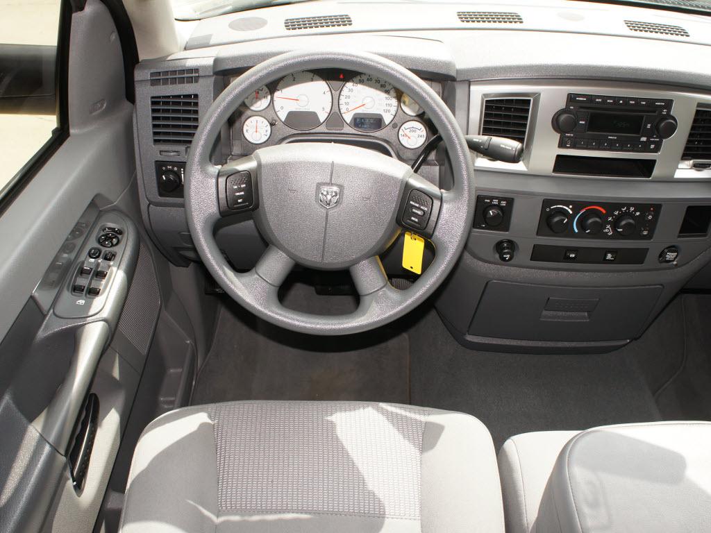http://1.bp.blogspot.com/-Sqp40MSG5MA/UILf6ec7RgI/AAAAAAAAJxs/gUKhp8YdHho/s1600/2009+Dodge+Ram+2500+Truck+Mega+Cab+SXT+4x4+diesel+6.jpg