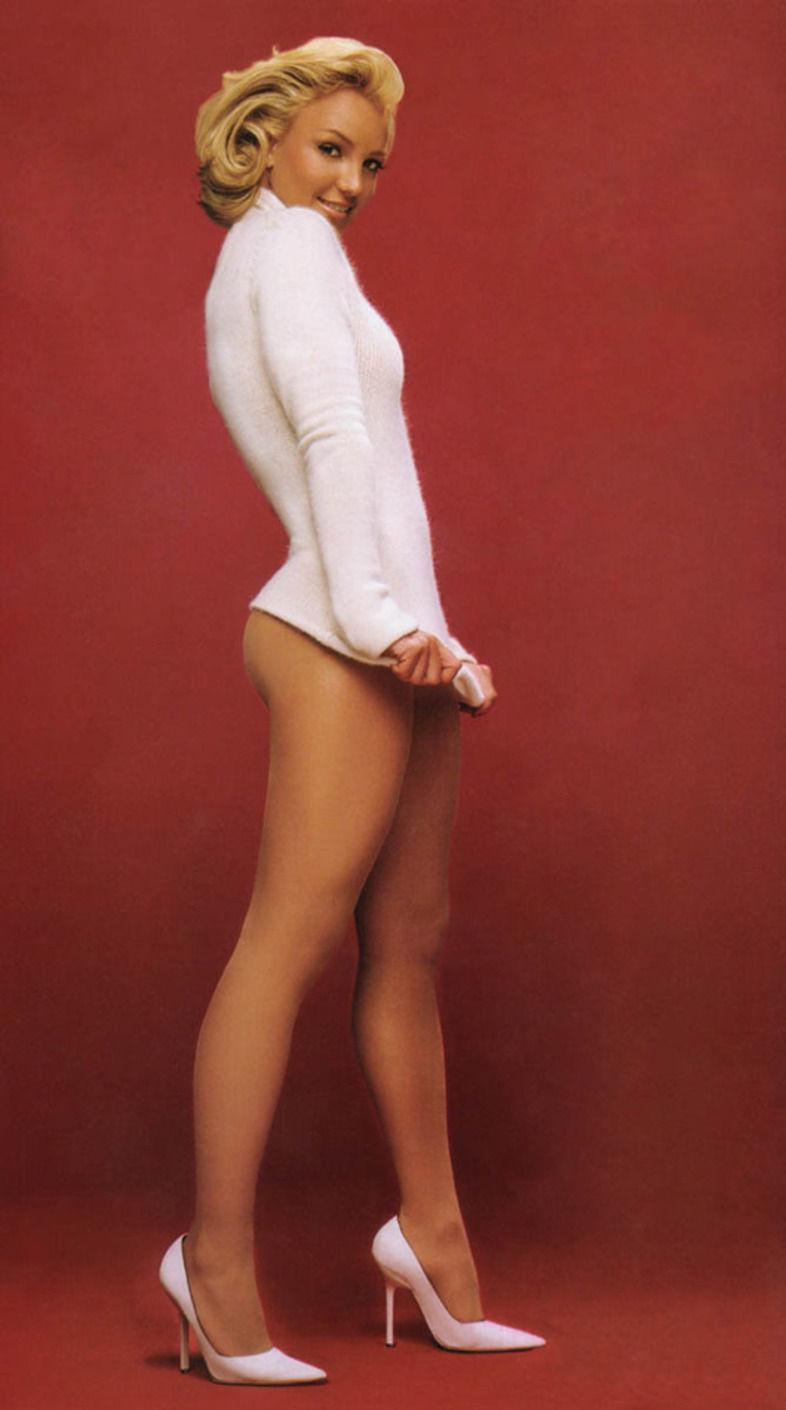Фотографии голая девочка в трусиках 17 фотография