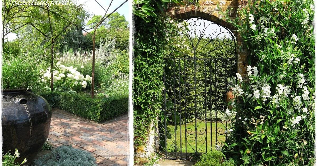stadtlustgarten englische g rten sissinghurst castle. Black Bedroom Furniture Sets. Home Design Ideas