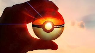Quelle évolution d'Evoli seriez vous ? Un-artiste-dresseur-de-pokemon-realise-des-illustrations-de-pokeballs-ultra-realistes24