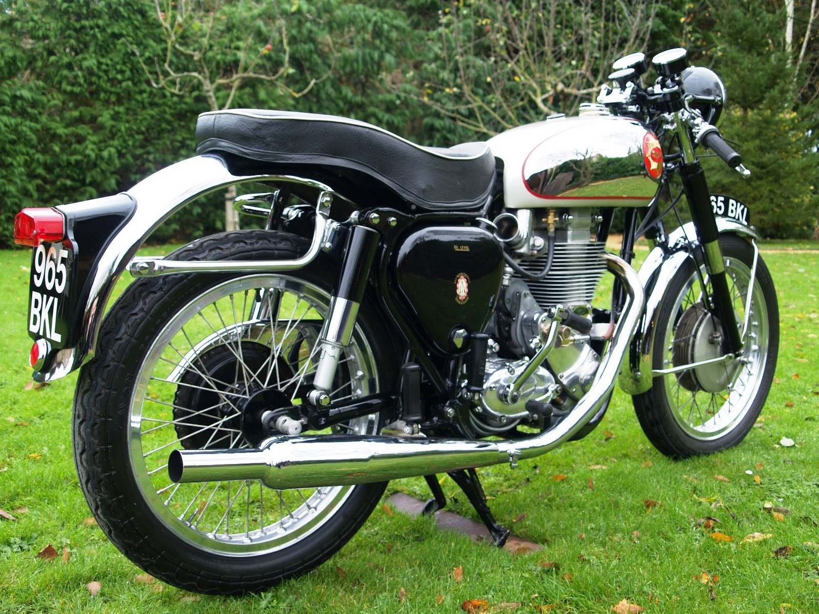 BSA Motorcycle: Juni 2013