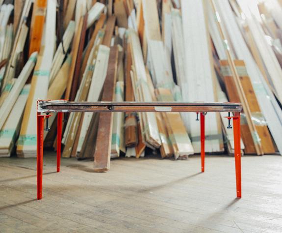 天板を自由に変えて作るデザイナーズテーブル