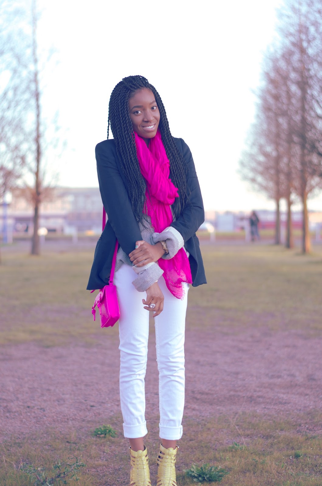 how to wear with white jeans in spring with neon trend