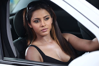 Neetu chandra hot Cleavage show pics in car photo