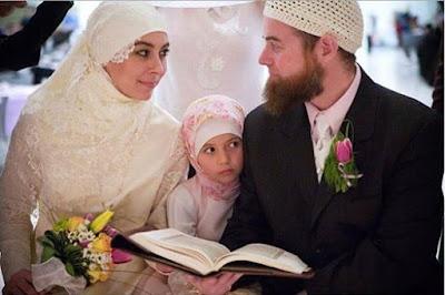 Khusus Laki-Laki : Wahai Suamiku, Jangan Tertawakan Bila Istrimu Ini Gendut