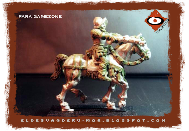 Miniatura de los tercios del Imperio diseñadas y esculpidas por ªRU-MOR para gamezone a escala warhammer fantasy. Representa a un pistolero o caballería ligera con armas a dos manos apuntando al frente