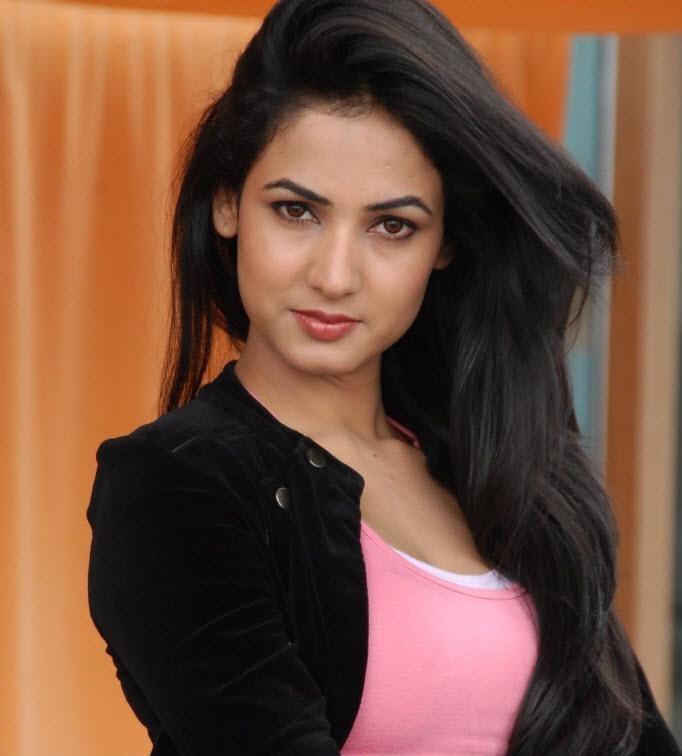 actress sonal chauhan wallpaper jannat film actress sonal chauhan ...