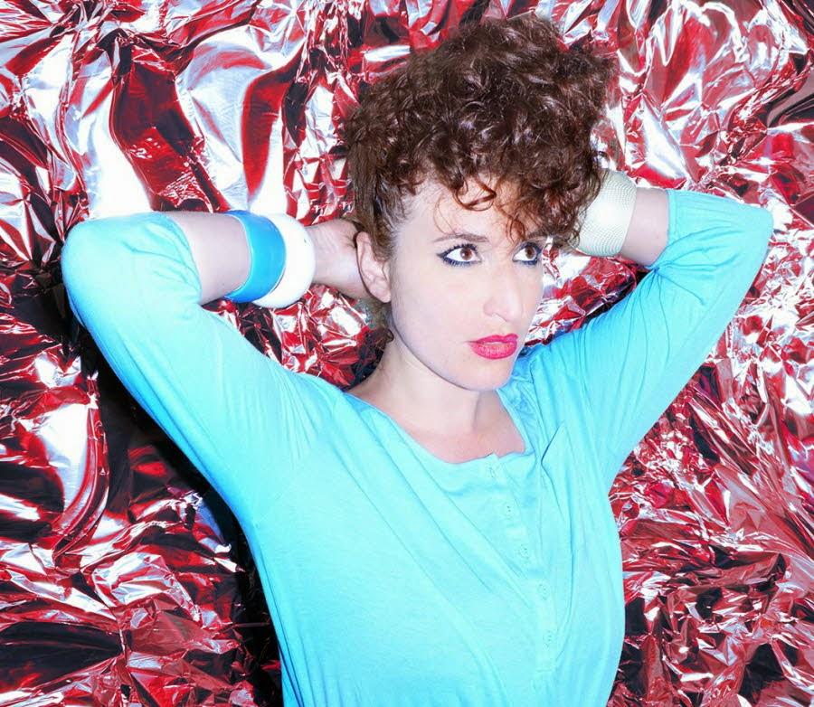 La chanteuse Billie (rétro+remix) dans France billie-s-est-deja-fait-remarquer-pour-son-energie-et-sa-sensualite