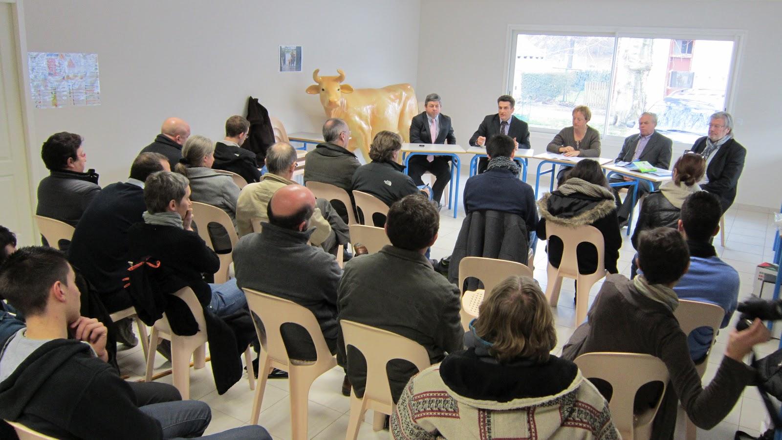 Aquera vaca de pau conf rence de presse de la chambre d for Chambre d agriculture paris
