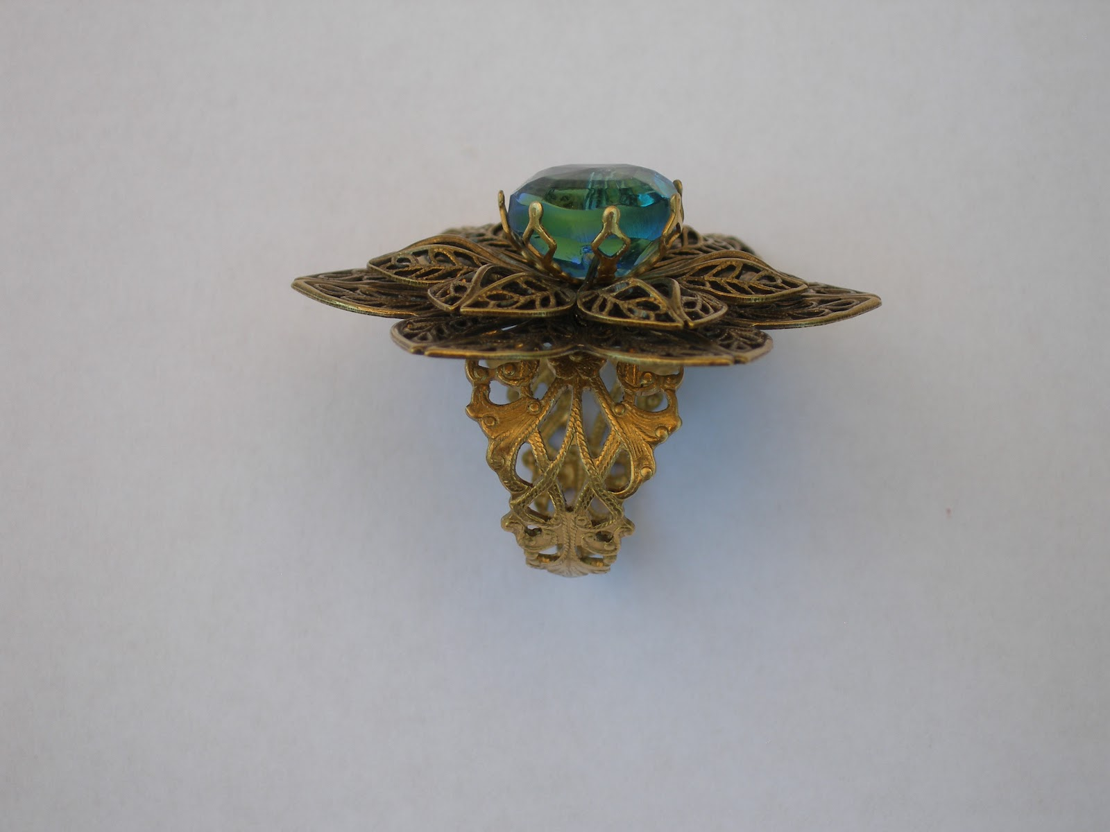 Terry ricioli designs vintage button filigree ring for Terry pool design jewelry