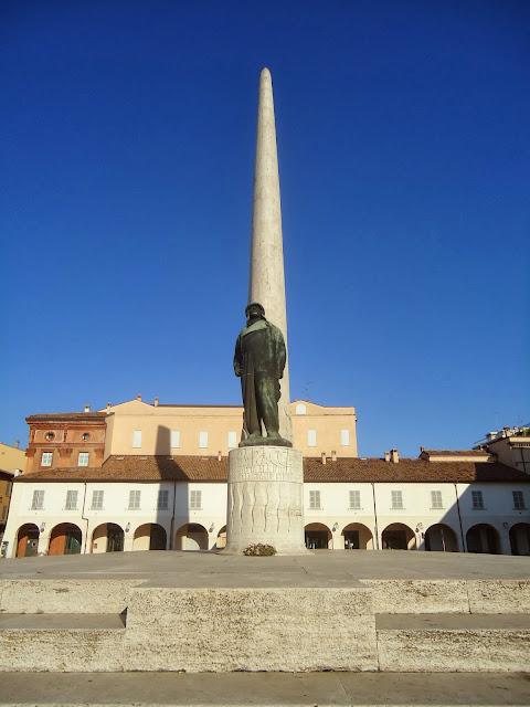 Francesco Baracca asso della Seconda Guerra Mondiale, monumento Lugo di Romagna