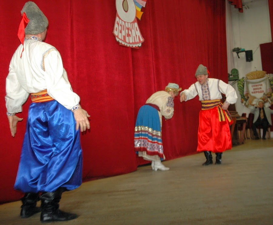 Фото Виталия Бабенко:фольклорная украинская сценка