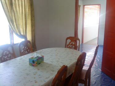 meja makan 8 kerusi
