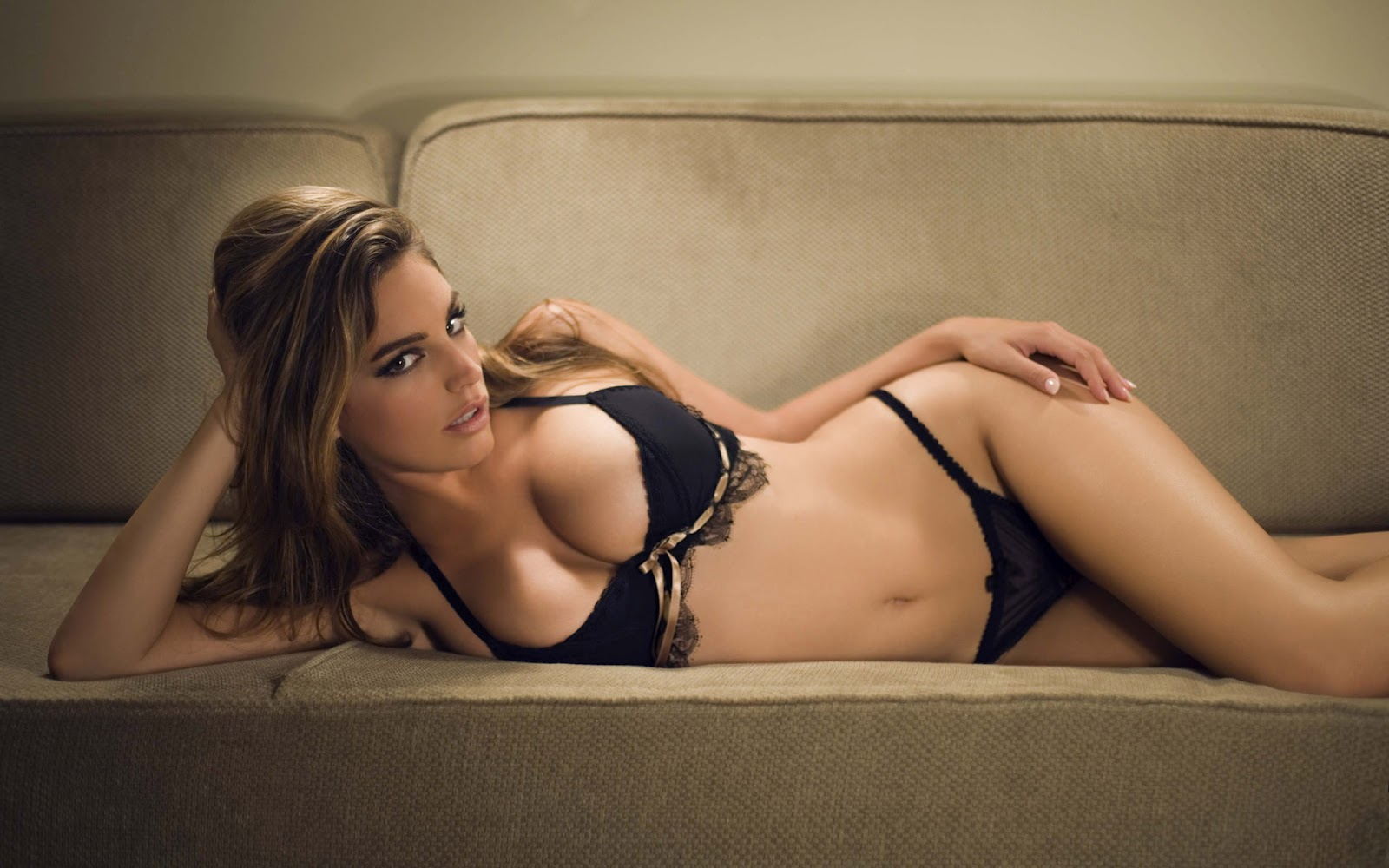 kelly brook lounging black underwear