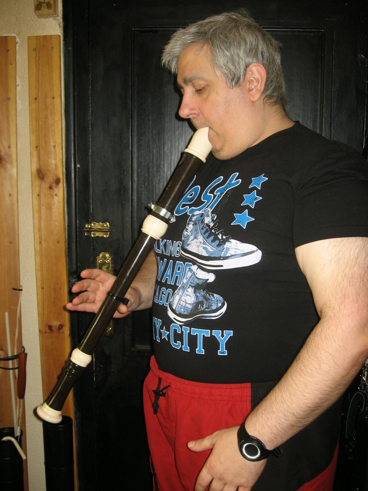 2 Cómo hacer un botón de pulgar para apoyar tu Flauta Dulce o de pico