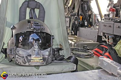 Detalle del interior de un Sikorsky S70i de la Aviación del Ejército de Colombia.