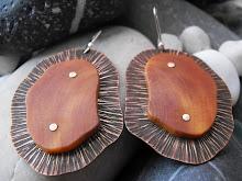 Aros cobre texturado y envejecido, picoyo remachado, ganchos de plata (256)