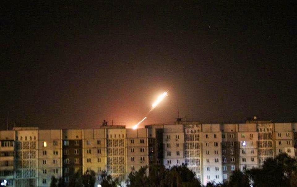 Терористи обстрілюють Донецьк з установок Град і мінометів, є загиблі і поранені