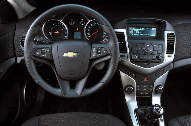 Chevrolet Cruze Sport LTZ Hatch - Interior