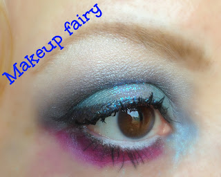 eye makeup look teal smoky