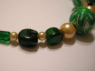 biżuteria z półfabrykatów i decoupage - wiosna tuż tuż (korale)