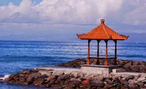Objek Liburan Wisata Alam Candi Dasa Resort di Pulau Bali