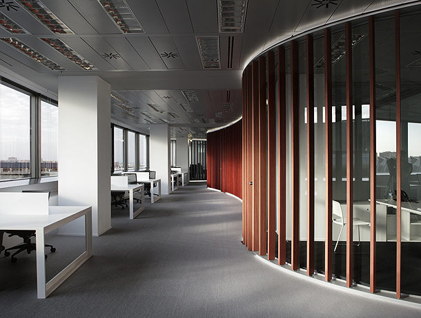 Marzua girod anton y nonna designprojects dise an la for Interiores de oficinas minimalistas