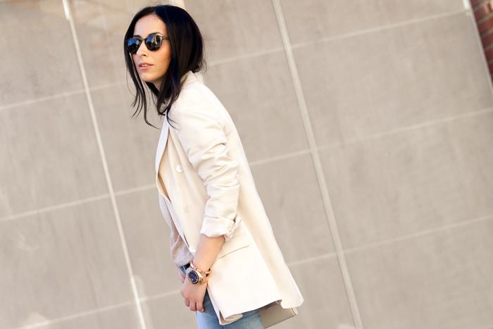 Bloguera de moda valenciana con look casual cómodo