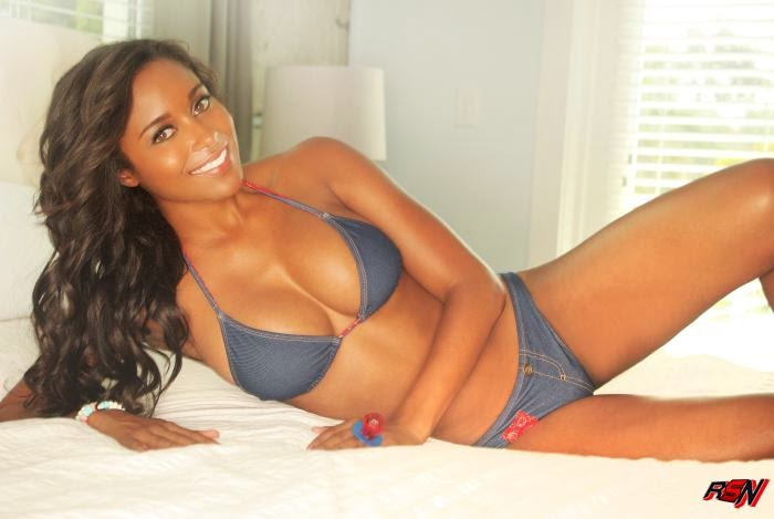 Brandi Rhodes Bikini Photo.