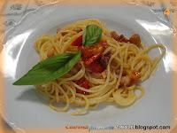 Spaghetti pancetta affumicata, pomodorini e prezzemolo