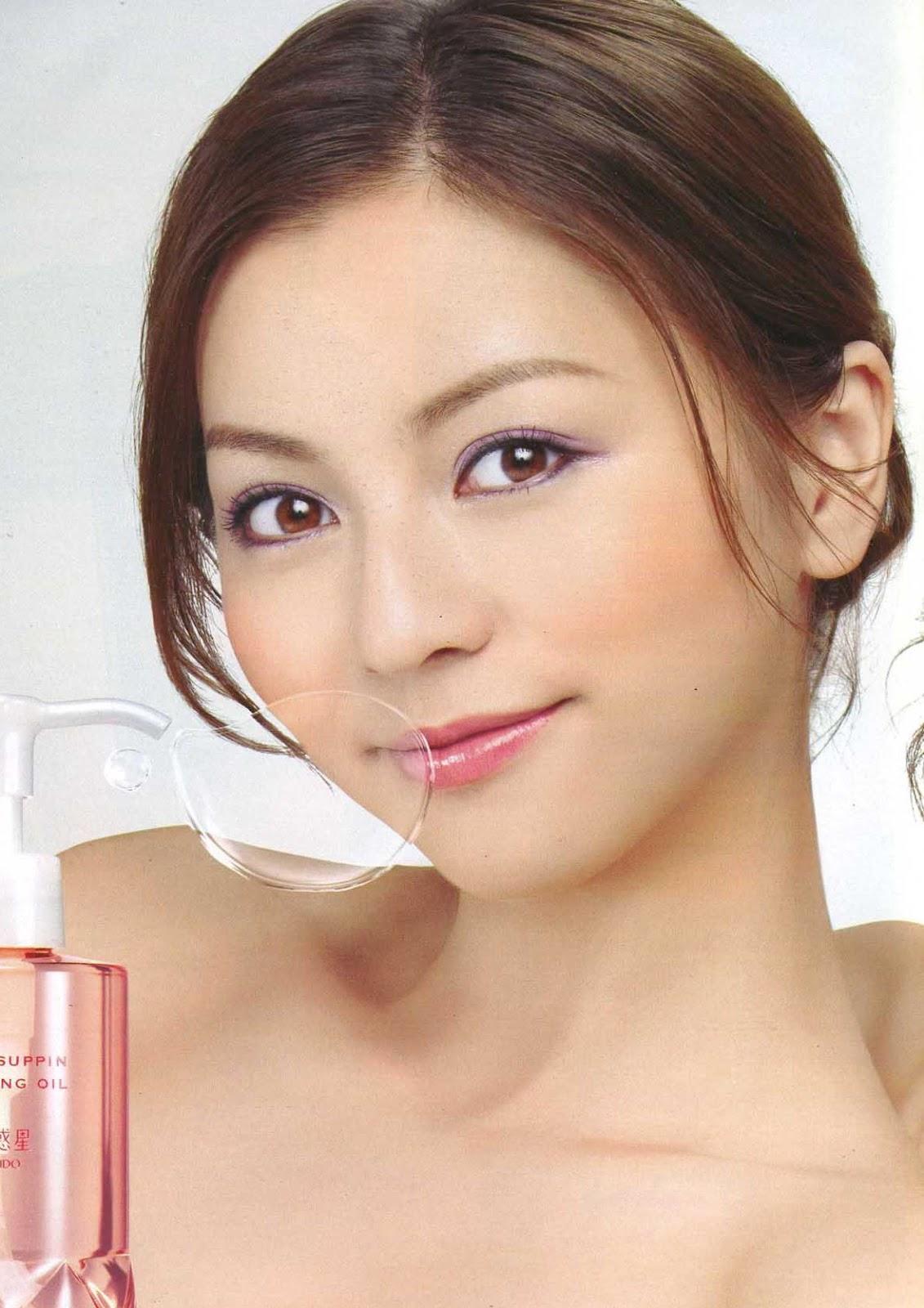 Karina Model http://nosekarina.blogspot.com/2012/05/nose-karina.html