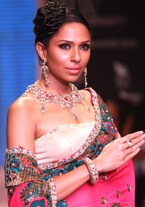 The Indian Wedding Blog Indian Bridal Jewelry 101
