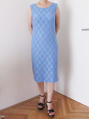 http://ladylinaland.blogspot.hr/2015/08/blue-lace-sheath-dress.html