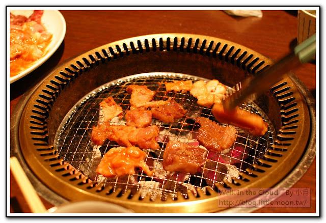 燒肉肥滋滋與旺旺的木炭