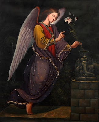 San Gabriel Arcangel con la azucena en la mano.