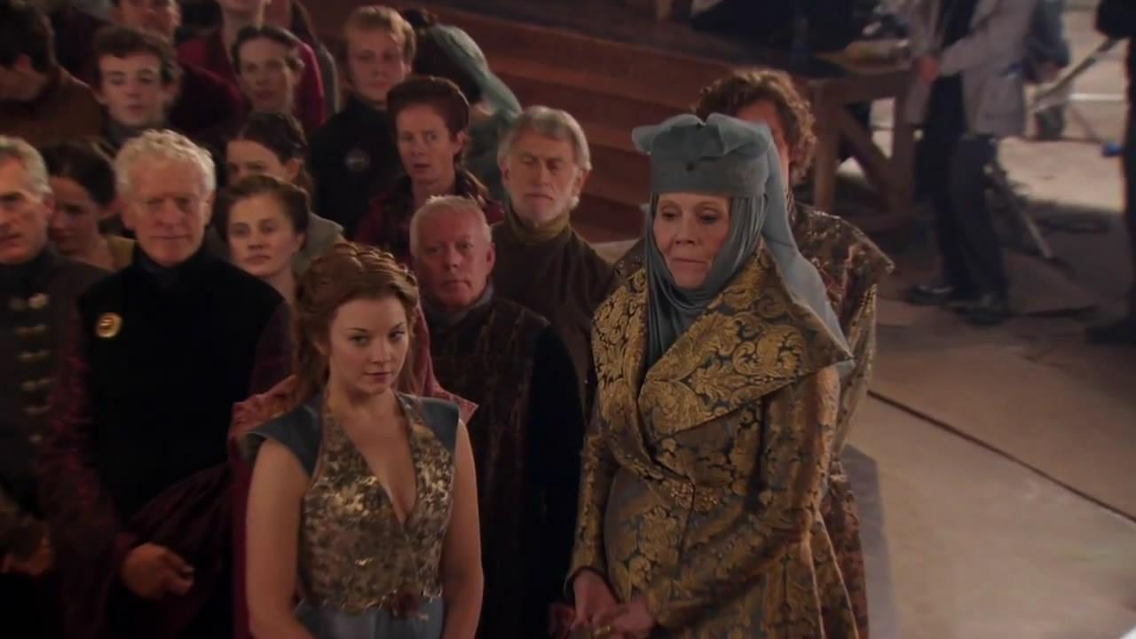 Dame Diana Riggs como Lady Olenna Tyrell