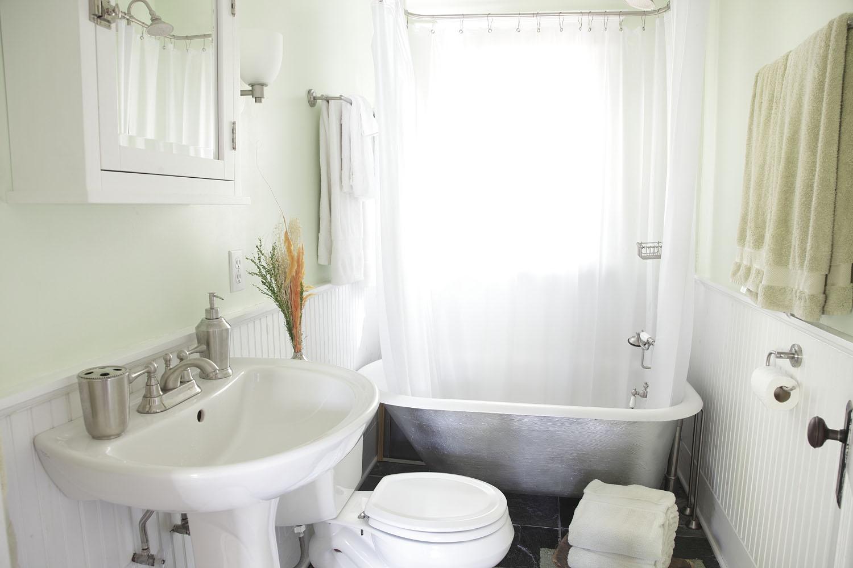 Adventures at 1628 list for Clawfoot bathroom ideas
